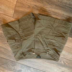 JCrew Low cut size 4 khaki Green Shorts